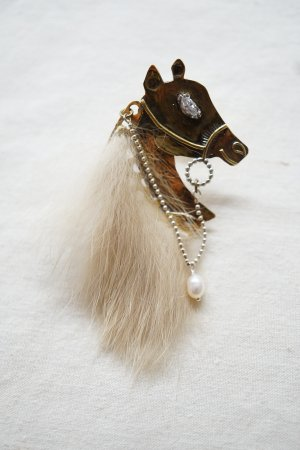 【 Art Jewelry Marble 】 馬 ピンバッチ