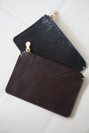 <img class='new_mark_img1' src='https://img.shop-pro.jp/img/new/icons5.gif' style='border:none;display:inline;margin:0px;padding:0px;width:auto;' />【Teha'amana】SQUARE POUCH(S)