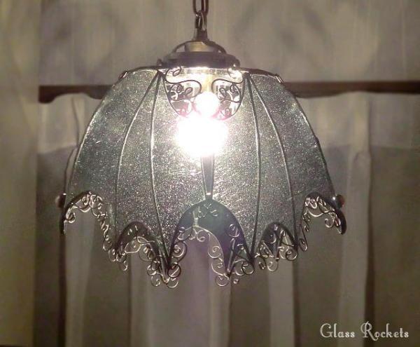 コウモリの ペンダントランプ ステンドグラス 照明