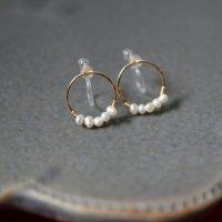 [即納][minikin][樹脂イヤリング]14kgf/淡水パールが並ぶ小さなイヤリング