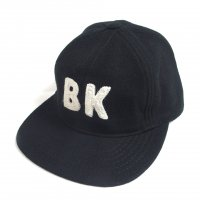 <img class='new_mark_img1' src='https://img.shop-pro.jp/img/new/icons50.gif' style='border:none;display:inline;margin:0px;padding:0px;width:auto;' />KNICKER BOCKER WOOL BASEBALL CAP