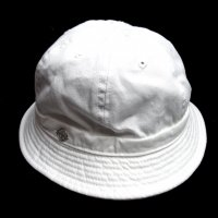 <img class='new_mark_img1' src='https://img.shop-pro.jp/img/new/icons50.gif' style='border:none;display:inline;margin:0px;padding:0px;width:auto;' />DECHO SHALLOW KOME HAT WHITE