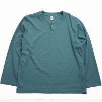 <img class='new_mark_img1' src='https://img.shop-pro.jp/img/new/icons50.gif' style='border:none;display:inline;margin:0px;padding:0px;width:auto;' />JACKMAN HENLEYNECK LONG SLEEVED T-SHIRT