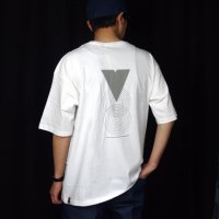 <img class='new_mark_img1' src='https://img.shop-pro.jp/img/new/icons50.gif' style='border:none;display:inline;margin:0px;padding:0px;width:auto;' />VOO×FORTY FIVE Limited edition REFLECTOR TEE WHITE