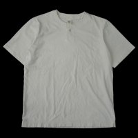 <img class='new_mark_img1' src='https://img.shop-pro.jp/img/new/icons50.gif' style='border:none;display:inline;margin:0px;padding:0px;width:auto;' />JACKMAN Henley neck T-Shirt KINARI