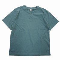 <img class='new_mark_img1' src='https://img.shop-pro.jp/img/new/icons15.gif' style='border:none;display:inline;margin:0px;padding:0px;width:auto;' />JACKMAN Henley neck T-Shirt AQUA