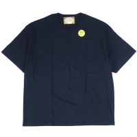 <img class='new_mark_img1' src='https://img.shop-pro.jp/img/new/icons15.gif' style='border:none;display:inline;margin:0px;padding:0px;width:auto;' />RELAX FIT POCKET S/S T-SHIRT NAVY