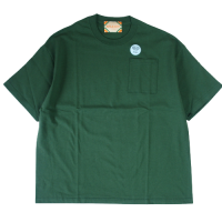 <img class='new_mark_img1' src='https://img.shop-pro.jp/img/new/icons15.gif' style='border:none;display:inline;margin:0px;padding:0px;width:auto;' />RELAX FIT POCKET S/S T-SHIRT GREEN