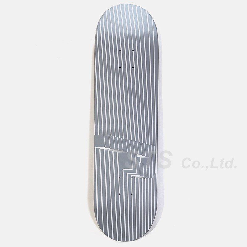 Palace Skateboards - P2 8.2 Skateboard
