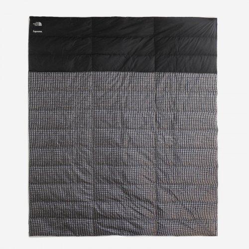 Supreme/The North Face Studded Nuptse Blanket