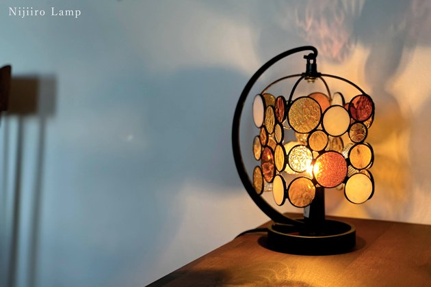 テーブルランプ Nijiiro drops amber ニジイロ ドロップス アンバー【画像8】