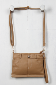 <img class='new_mark_img1' src='https://img.shop-pro.jp/img/new/icons11.gif' style='border:none;display:inline;margin:0px;padding:0px;width:auto;' />LA Faux Leather Pants Clutch