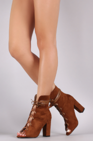 <img class='new_mark_img1' src='https://img.shop-pro.jp/img/new/icons41.gif' style='border:none;display:inline;margin:0px;padding:0px;width:auto;' />LA  Lace Up Suede  Chunky Heels  CAMEL
