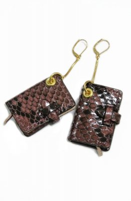 THEATRE PRODUCTS leather book pierced earrings(brown)
