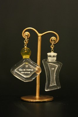 THEATRE PRODUCTS acrylic perfume bottle earring(clear)