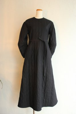 KIN quilting dress(noir)