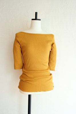KIN shell embroidery boatneck pullover(moutarde)