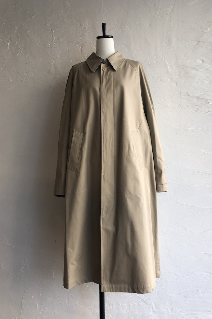 OSHIMA REI stand and fall collar coat