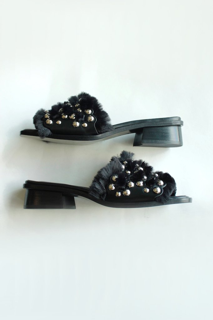 TARO HORIUCHI Punching Square Toe Sandals(black)