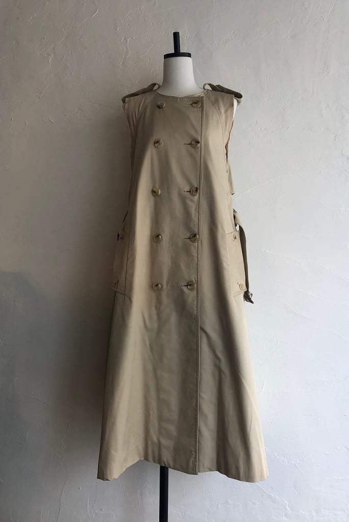 Kidole. sleeveless trench coat vest