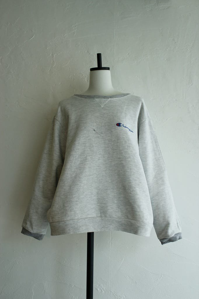 Kidole. open sleeve champion sweat