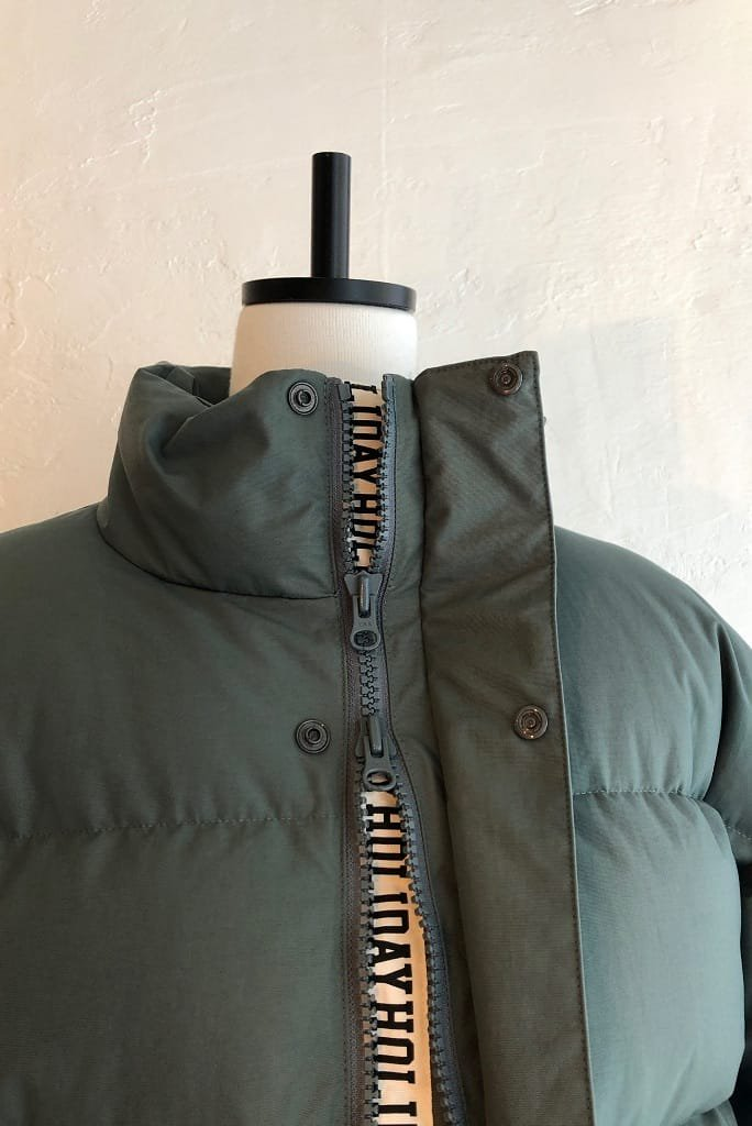 HOLIDAY tape down jacket(olive)