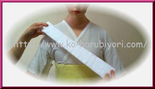 着付師【9】衿下補整(3)ロールケーキコットンの衿下補整方法と衿合わせ【動画】