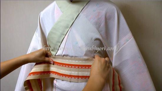 着付師【13】長襦袢の伊達締めをゴロゴロなしにスッキリと処理する方法