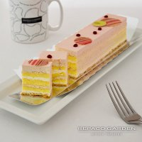 バトンケーキ「ストロベリー」