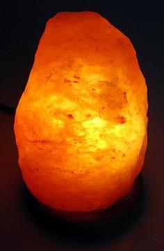 ヒマラヤ岩塩ランプ(ソルトランプ) ミニサイズ 重さ:約1~2kg 高さ ...