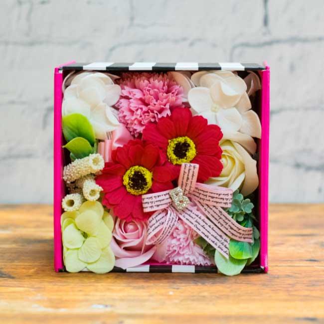 【お花の入浴剤バスフレグランスソープ】Barbie BOX-PINK-
