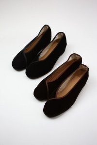 <img class='new_mark_img1' src='https://img.shop-pro.jp/img/new/icons8.gif' style='border:none;display:inline;margin:0px;padding:0px;width:auto;' />sokonowa - Velvet Flat shoes(Ladies)