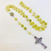 ラウンド石ビーズ メダイ付き十字架ロザリオ
