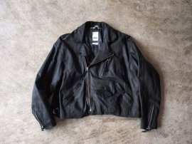 <img class='new_mark_img1' src='//img.shop-pro.jp/img/new/icons47.gif' style='border:none;display:inline;margin:0px;padding:0px;width:auto;' />BAGGY RUNAWAY JACKET