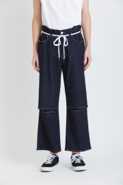 <img class='new_mark_img1' src='//img.shop-pro.jp/img/new/icons13.gif' style='border:none;display:inline;margin:0px;padding:0px;width:auto;' />ANKLE DENIM PANTS