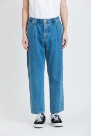 <img class='new_mark_img1' src='//img.shop-pro.jp/img/new/icons47.gif' style='border:none;display:inline;margin:0px;padding:0px;width:auto;' />DENIM ANKLE EASY PANTS