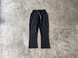 <img class='new_mark_img1' src='https://img.shop-pro.jp/img/new/icons13.gif' style='border:none;display:inline;margin:0px;padding:0px;width:auto;' />P.E. BOOTCUT EASY PANTS POLY STRETCH JERSEY