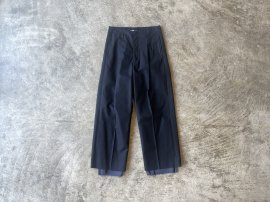 <img class='new_mark_img1' src='https://img.shop-pro.jp/img/new/icons13.gif' style='border:none;display:inline;margin:0px;padding:0px;width:auto;' />UNCLE [TUCK TAPERED TROUSERS]