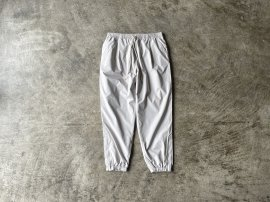 <img class='new_mark_img1' src='https://img.shop-pro.jp/img/new/icons13.gif' style='border:none;display:inline;margin:0px;padding:0px;width:auto;' />REGULAR FIT EASY PANTS