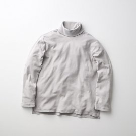 <img class='new_mark_img1' src='https://img.shop-pro.jp/img/new/icons13.gif' style='border:none;display:inline;margin:0px;padding:0px;width:auto;' />CRUNCH CASHMERE L/S TTL TEE