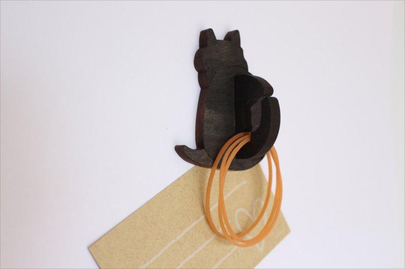黒猫の輪ゴムホルダー