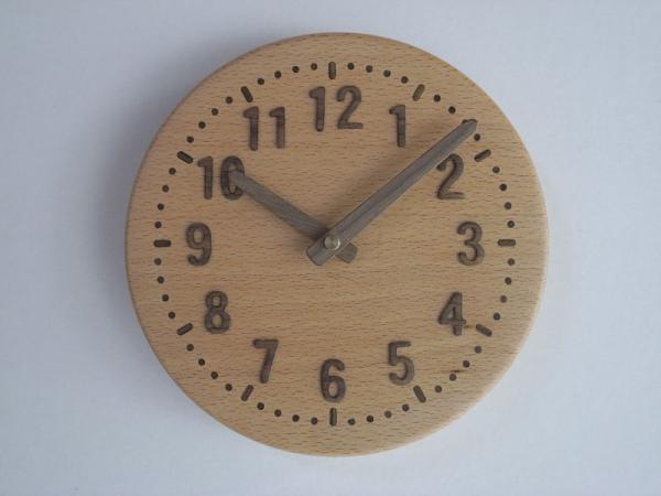 木の時計 直径18cm Wa18A-05