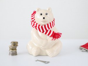 <img class='new_mark_img1' src='https://img.shop-pro.jp/img/new/icons14.gif' style='border:none;display:inline;margin:0px;padding:0px;width:auto;' />しろくま貯金箱 Polar Bear Money Box(MK-Tresmer)2021マフラー付き