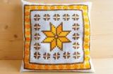 北欧スウェーデンで見つけた クッション(刺繍 ブラウン×オレンジ)