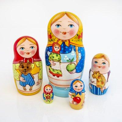 マトリョーシカ / お人形とりんご / 5pieces / エレーナ・イヴァンツォーヴァ作