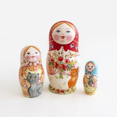 マトリョーシカ / 花束と猫 / 3pieces / エレーナ・イヴァンツォーヴァ作