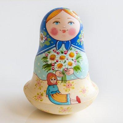 ネヴァリャーシカ / マーガレット/ 赤いプラトーク /  エレーナ・イヴァンツォーヴァ作