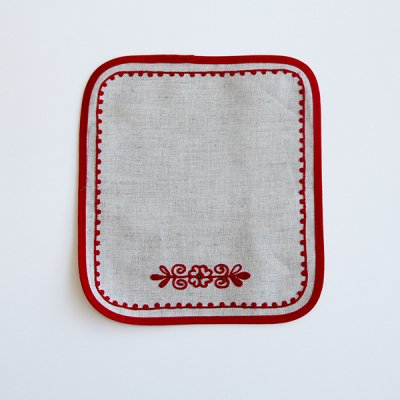 <img class='new_mark_img1' src='//img.shop-pro.jp/img/new/icons57.gif' style='border:none;display:inline;margin:0px;padding:0px;width:auto;' />アルハンゲリスク刺繍ランチョンマット