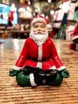 クリスマス ヨガ サンタ  瞑想のポーズ ヨガ教室 ヨガグッズ ヨガサンタ