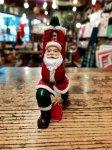 クリスマス ヨガ サンタ  戦士のポーズ ヨガ教室 ヨガグッズ ヨガサンタ